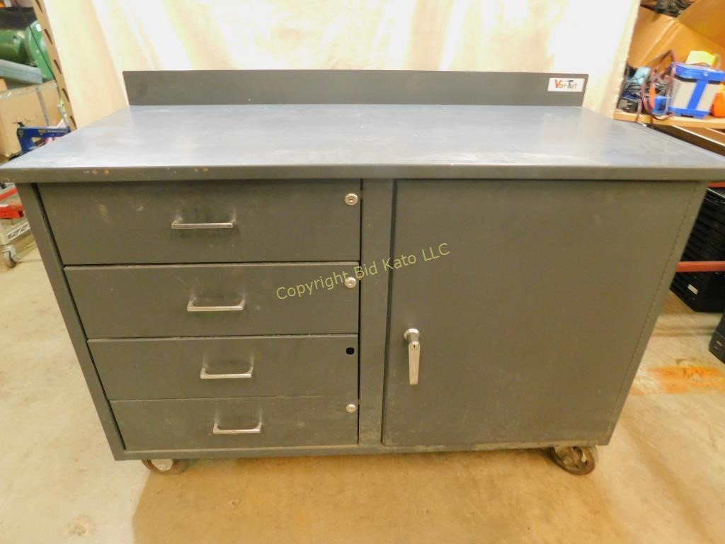 Sensational Vari Tuff Metal Work Bench On Wheels No Key Bid Kato Gmtry Best Dining Table And Chair Ideas Images Gmtryco