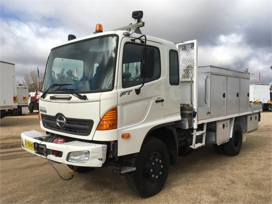 2007 Hino FT 4x4 - Trucks for Sale