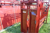 NEW TARTER SERIES III CATTLE SQUEEZE CHUTE