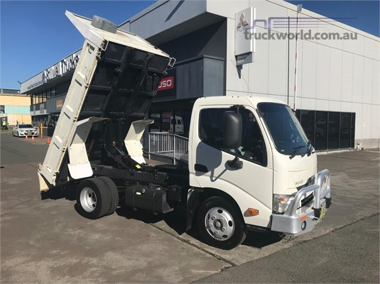 2013 Hino other Trucks for Sale