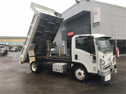 2012 Isuzu other Trucks for Sale