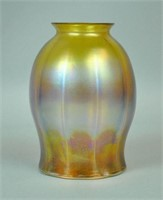 TIFFANY STUDIOS LAMP BASE AND AN LCT FAVRILE SHADE