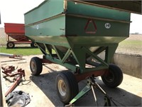 Harvest Equipment - Gravity Wagons  J&M 350 912417