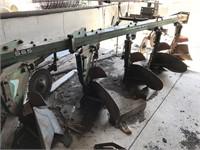 Tillage Equipment - Plows  OLIVER 565 912419