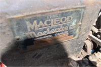 Macleod's 1 and 3/4 HP Engine - turns over