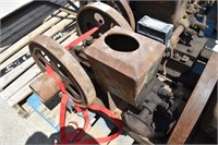 1 and 1/2 HP Stover engine  -Eaton's Tag, turns
