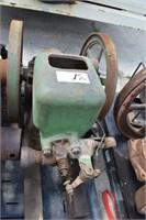 1 and 1/2 HP John Deere Model E engine, turns