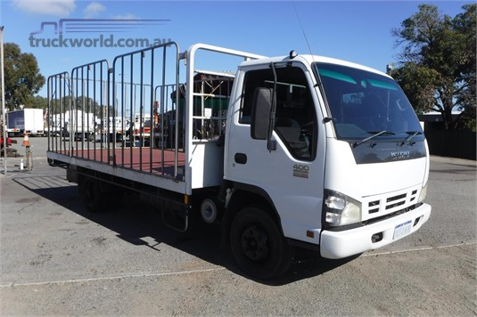 2006 Isuzu NPR400 - Trucks for Sale