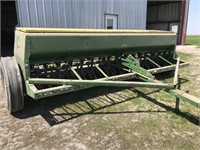 Planting Equipment - Grain Drills  JOHN DEERE 8300