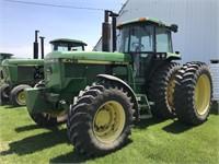 Tractors - 175 HP to 299 HP 1990 JOHN DEERE 4755 9