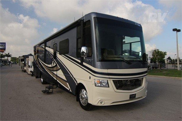 NEWMAR CANYON STAR 3927 Gas Class A Motorhomes For Sale - 6