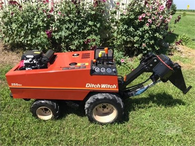 Ditch Witch Trenchers / Boring Machines / Cable Plows For Sale In