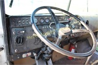 1985 International 4300 Semi
