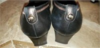 2 pair of Stuart Weitzman dress shoes size 9