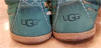 Lot of 2 pair UGG shoes, size 9, 1 is house shoes