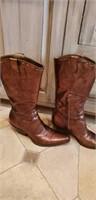 BCB girls boots size 9B/39