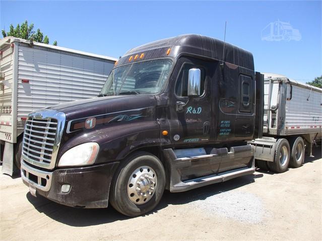 R And D Trucks >> 2011 Freightliner Cascadia 125 For Sale In Cullison Kansas