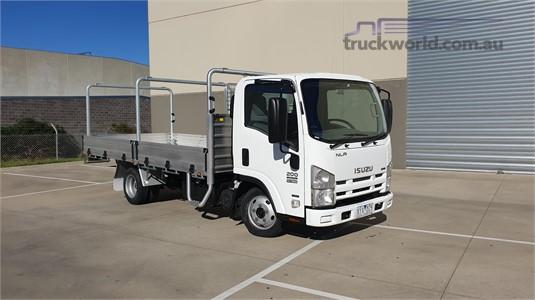 2010 Isuzu NLR 200 AMT - Trucks for Sale