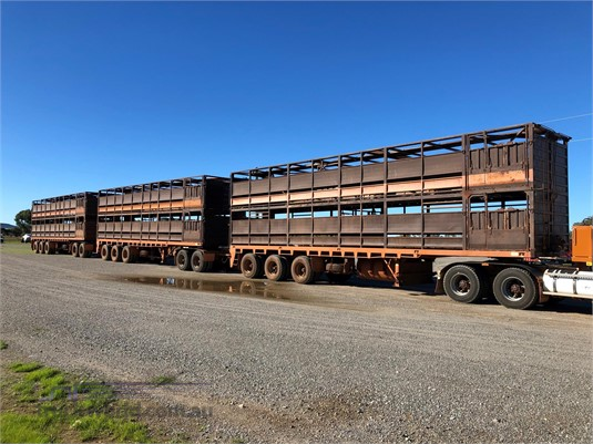 2009 Howard Porter Stock Crate Trailer - Trailers for Sale