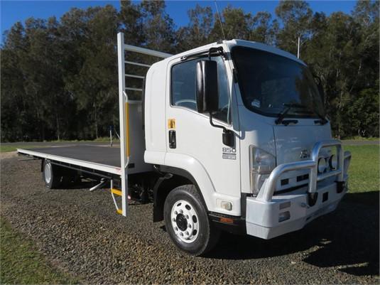 2011 Isuzu FSD850 - Trucks for Sale