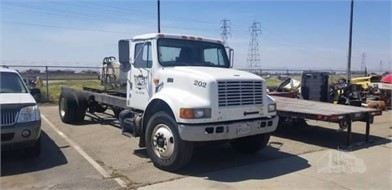 INTERNATIONAL 4900 Cab & Chassis Trucks For Sale - 27 Listings