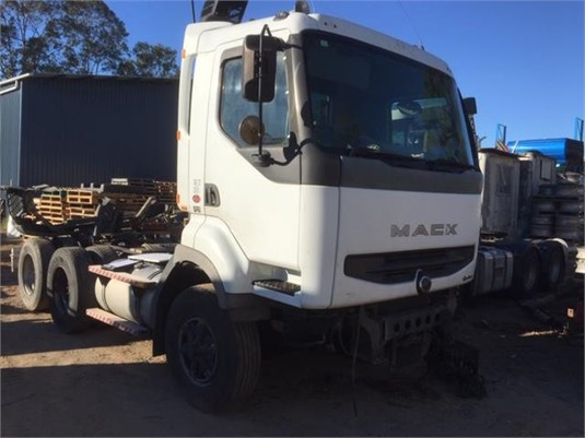 2002 Mack Quantum - Wrecking for Sale