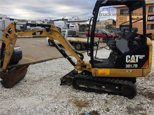 2013 Caterpillar 301.7D - Heavy Machinery for Sale