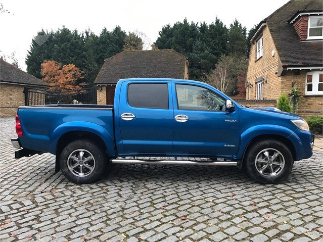 Used 2014 TOYOTA HILUX For Sale in FELTHAM, United Kingdom