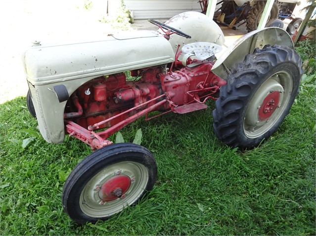 9n Ford Tractor >> Lot 5861 1941 Ford 9n