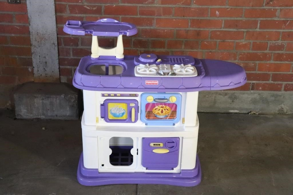 Fisher Price Kitchen | Lincoln Crum Auctions