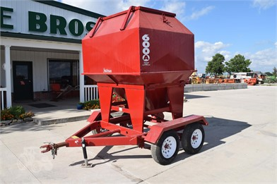 FEED TRAIN Feed/Mixer Wagon For Sale - 7 Listings