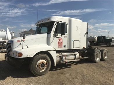FREIGHTLINER FLD120 Conventional Trucks W/ Sleeper For Sale - 134