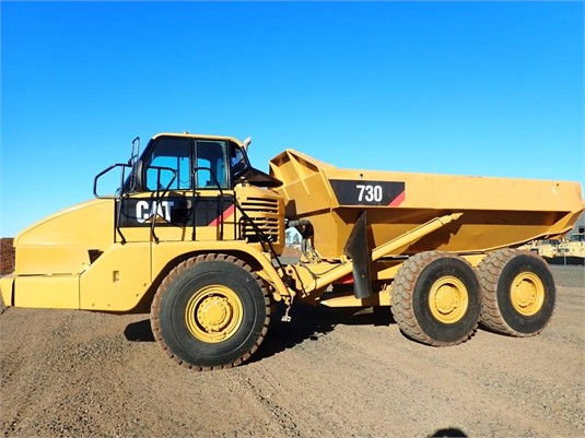 2004 Caterpillar 730 - Heavy Machinery for Sale