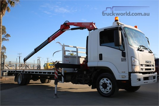 2010 Isuzu other Trucks for Sale
