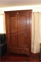 Antique 7'x4' Oak Wardrobe with Shelving