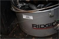 Ridgid Metal Tub, Ridgid Oil Hand Pump, 220V Power