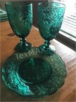 Set of 4 Vintage Forest Green Plates & Glasses