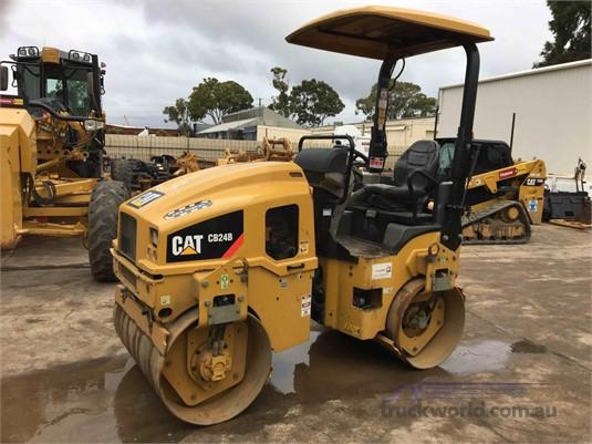 2015 Caterpillar CB24B Heavy Machinery for Sale