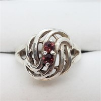 Silver Garnet  Ring (~Size 9) (~weight 4.3g)