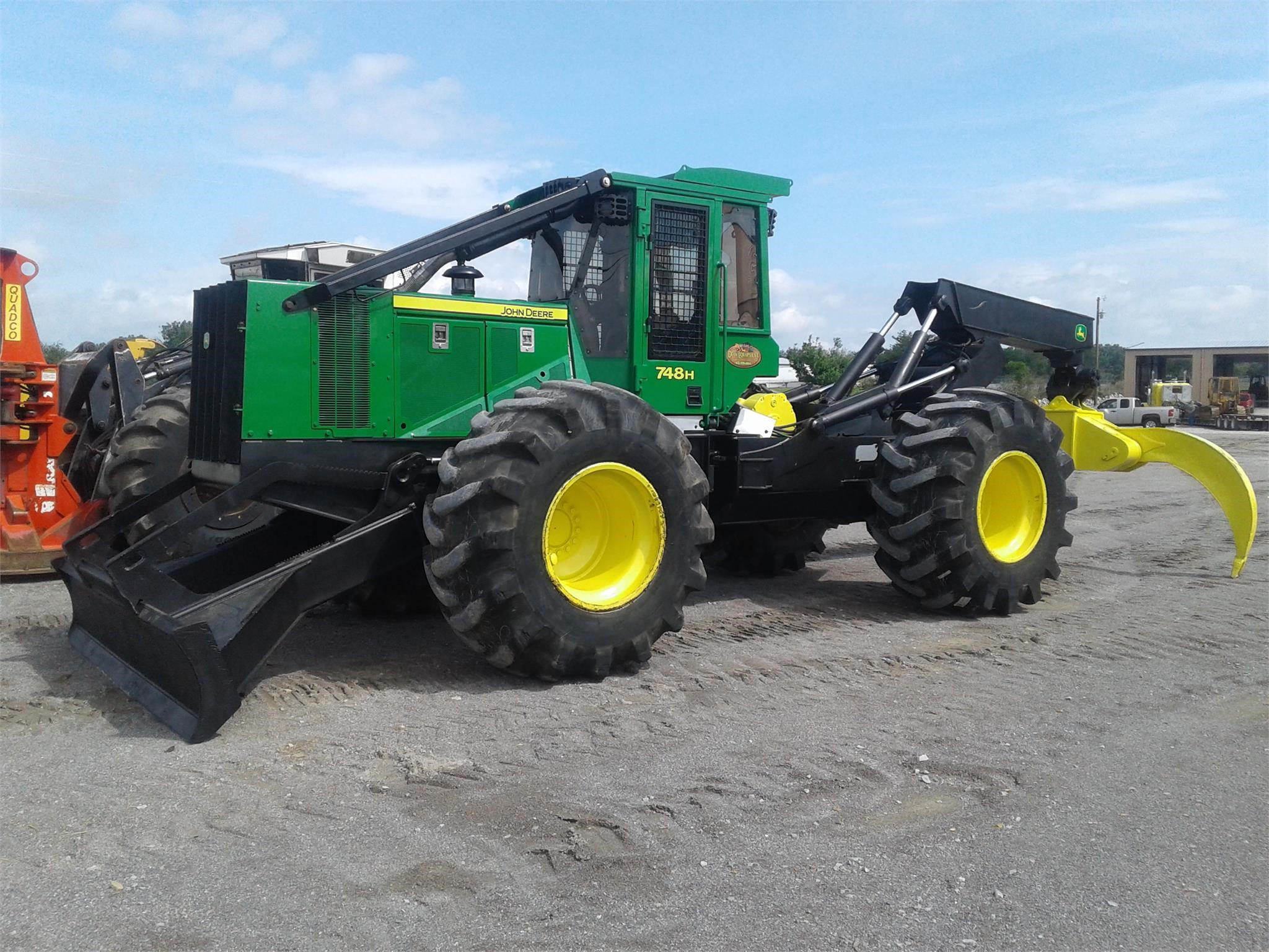 2014 DEERE 748H For Sale in Crossville, Tennessee
