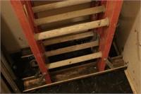 Louisville 16Rung Fiberglass Multi-Fold Comm Ladd