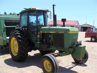 JOHN DEERE 4240 For Sale - 57 Listings | TractorHouse com - Page 1 of 3