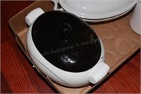 Flatware& Holder 2 Ceramic Gravy Boats