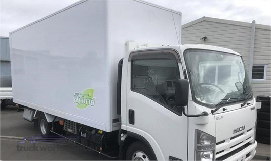 2014 Isuzu ELF - Trucks for Sale