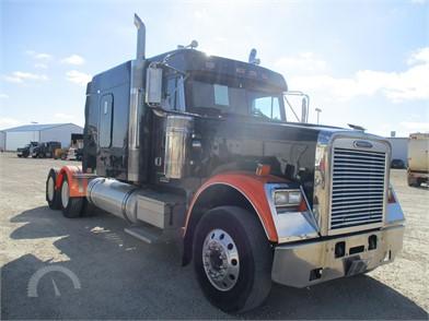 FREIGHTLINER FLD120 CLASSIC Conventional Trucks W/ Sleeper
