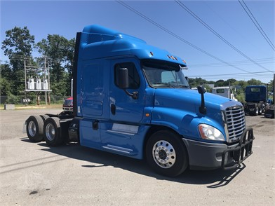 FREIGHTLINER Trucks For Sale In New Hampshire - 65 Listings