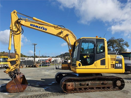 2011 Komatsu PC120-8 - Heavy Machinery for Sale