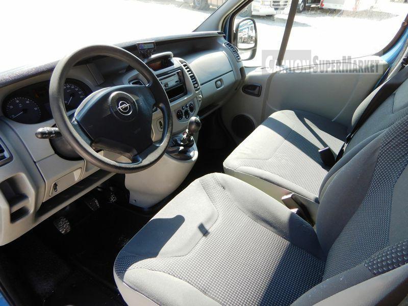 Opel VIVARO Usato 2009