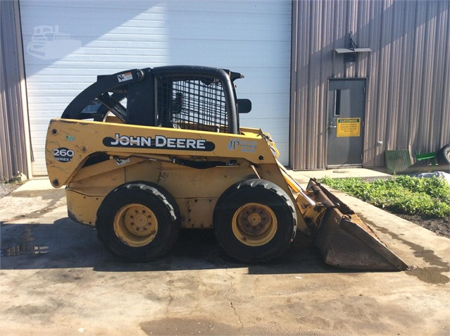 2004 DEERE 260 II For Sale In Middlebury, Vermont