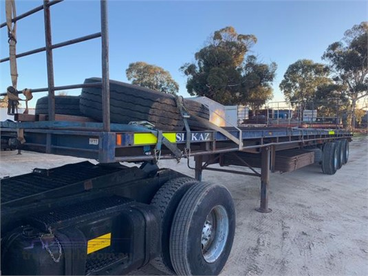 2002 Custom Flat Top Trailer - Trailers for Sale